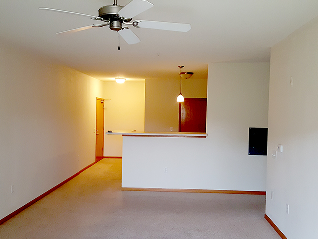 Apartment, For Rent, Stratford Place, Ellis, Listing ID undefined, Baraboo, Sauk, Wisconsin, United States, 53913,
